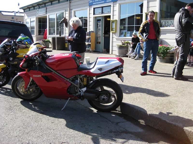 '98 Ducati 916 at Bovine Bakery in Point Reyes